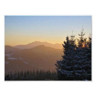 Foto Opinião do por do sol das montanhas de Tatras