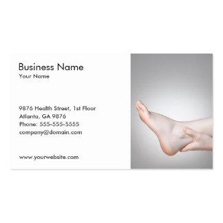 Foto original do tornozelo da mulher médica cartão de visita