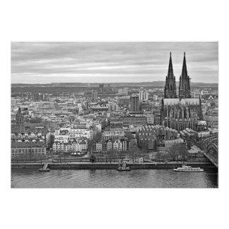 Foto Panorama da água de Colônia com uma vista da