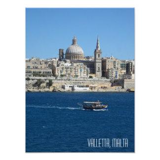 Foto Porto Malta do barco de pesca de Luzzu da skyline