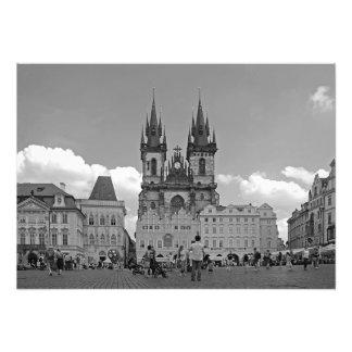 Foto Praça da cidade e igreja velhas de nossa senhora