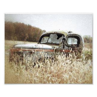 Foto Prazer do outono - caminhão velho na queda