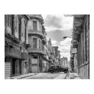 Foto preta & branca do viagem de Cuba do carro da Cartão Postal