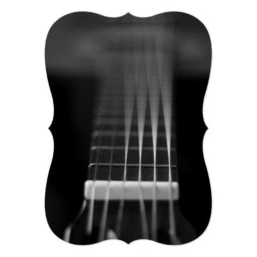 Foto preta da guitarra acústica convites personalizados