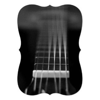 Foto preta da guitarra acústica convite 12.7 x 17.78cm