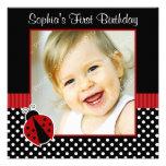 Foto preta vermelha do primeiro aniversario das bo convite personalizados
