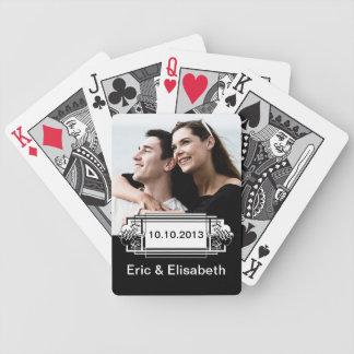 Foto preto e branco elegante da lembrança do baralhos de pôquer