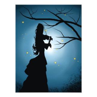 Foto Senhora do Victorian que joga um violino