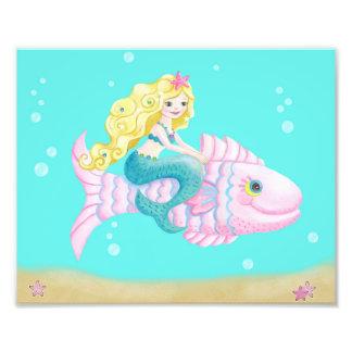 Foto Sereia bonito em um peixe cor-de-rosa