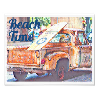 Foto Tempo da praia: Caminhão com prancha
