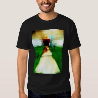 Foto urbana no t-shirt preto