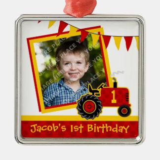 Foto vermelha do primeiro aniversario do trator ornamento para arvore de natal