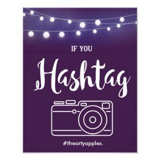 Foto Violeta com sinal de Hashtag das luzes