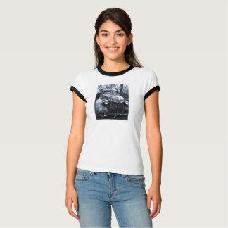 fotografia do carro da camisa do t da mulher