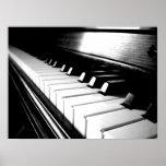 Fotografia preta & branca elegante do piano poster