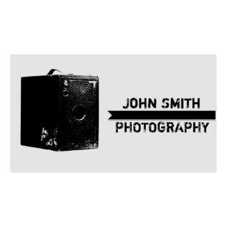 Fotografia preta e cinzenta da câmera de caixa do cartão de visita