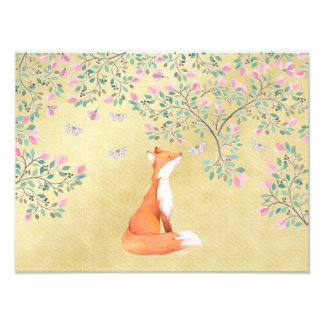 Fox com borboletas e as flores cor-de-rosa foto