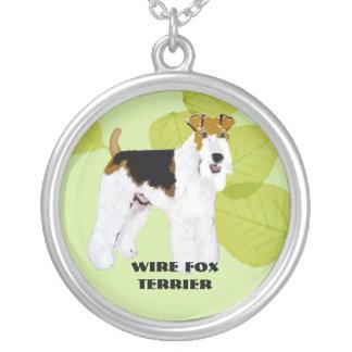 Fox Terrier do fio - design das folhas do verde Colar Banhado A Prata