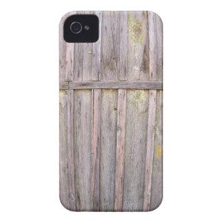 Fragmento de uma cerca de madeira velha dos capinha iPhone 4