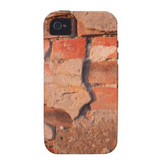 Fragmento de uma parede de tijolo gasto velha capinhas para iPhone 4/4S