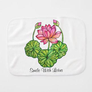 Fralda De Boca Aguarela Lotus cor-de-rosa com botões & folhas