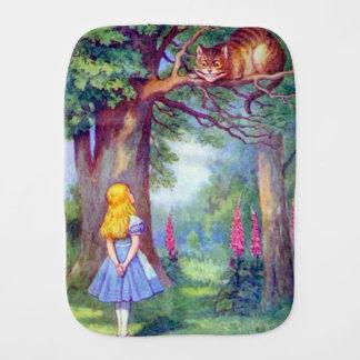 Fralda De Boca Alice & o pano do Burp do gato de Cheshire