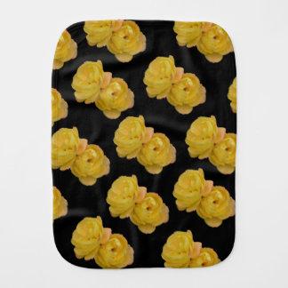 Fralda De Boca Rosas amarelos no preto, _