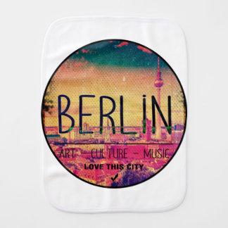 Fraldinha De Boca Berlin, Love This City series, circle