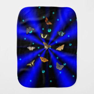 Fraldinha De Boca Borboleta no arco-íris do preto azul