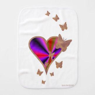 Fraldinha De Boca Coração e borboleta do arco-íris