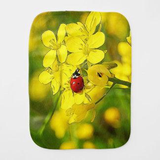 Fraldinha De Boca Joaninha amarelo do vermelho da boa sorte da flor