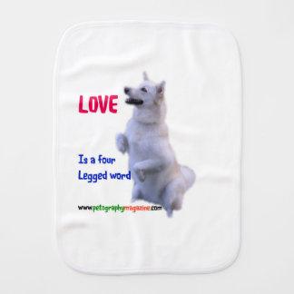 Fraldinha De Boca O amor é uma palavra de quatro patas