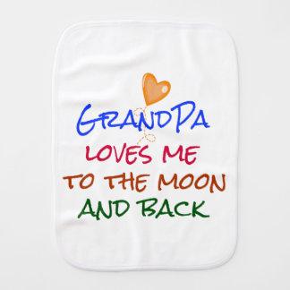 Fraldinha De Boca O vovô ama-me às citações da lua e da parte