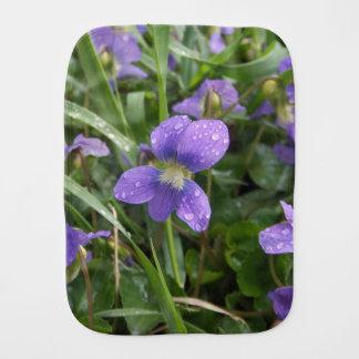 Fraldinha De Boca Pano chuvoso do Burp das violetas