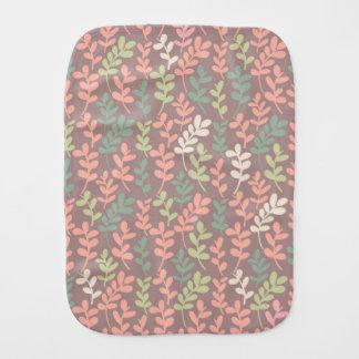 Fraldinha De Boca Seamless leaves pattern