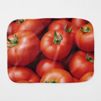 Fraldinha De Boca Tomates maduros - vermelho brilhante, fresco