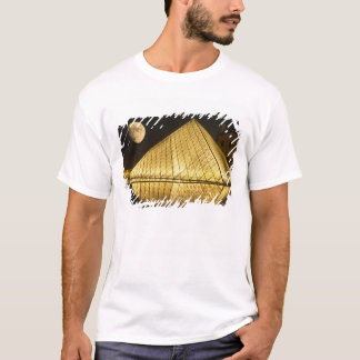France, Paris, o museu do Louvre, Nighttime Camiseta