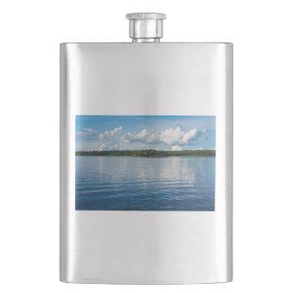 Frasco De Bebida Arquipélago na costa de mar Báltico na suecia