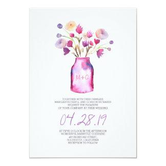 Frasco de pedreiro da aguarela e flores roxas que convite 12.7 x 17.78cm