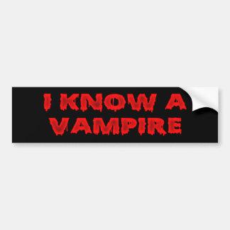 Frase do Dia das Bruxas eu conheço um vampiro Adesivo Para Carro