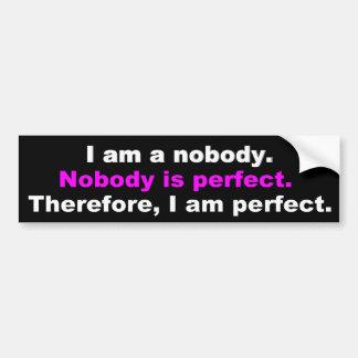 Frases engraçadas: Ninguém é perfeito Adesivo Para Carro