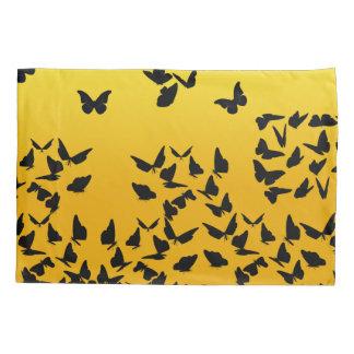 fronha de almofada amarela da borboleta