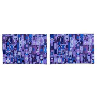 Fronha de almofada azuis e roxas do teste padrão