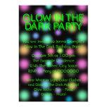 Fulgor de néon na festa de aniversário escura convite personalizado