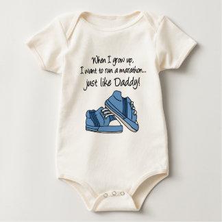 Funcione a maratona apenas como o pai body para bebê