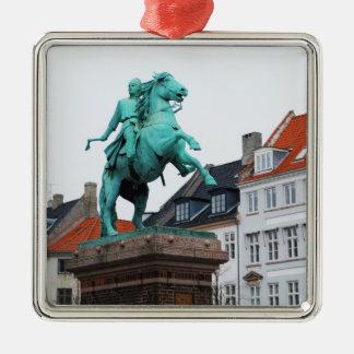 Fundador de Copenhaga Absalon - Højbro Plads Ornamento Quadrado Cor Prata