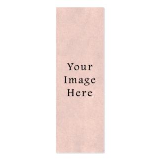 Fundo claro do papel de pergaminho do rosa cor-de- cartão de visita skinny