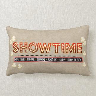 Fundo do bege do descanso de Showtime do cinema Travesseiros