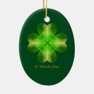 Fundo do trevo do dia de St Patrick Ornamento De Cerâmica Oval