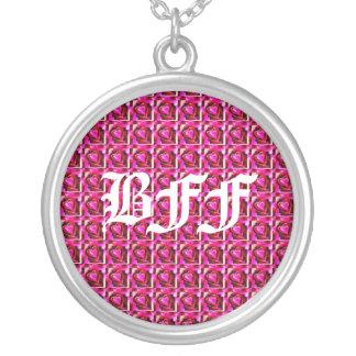 Fundo dos corações de BFF Colar Com Pendente Redondo